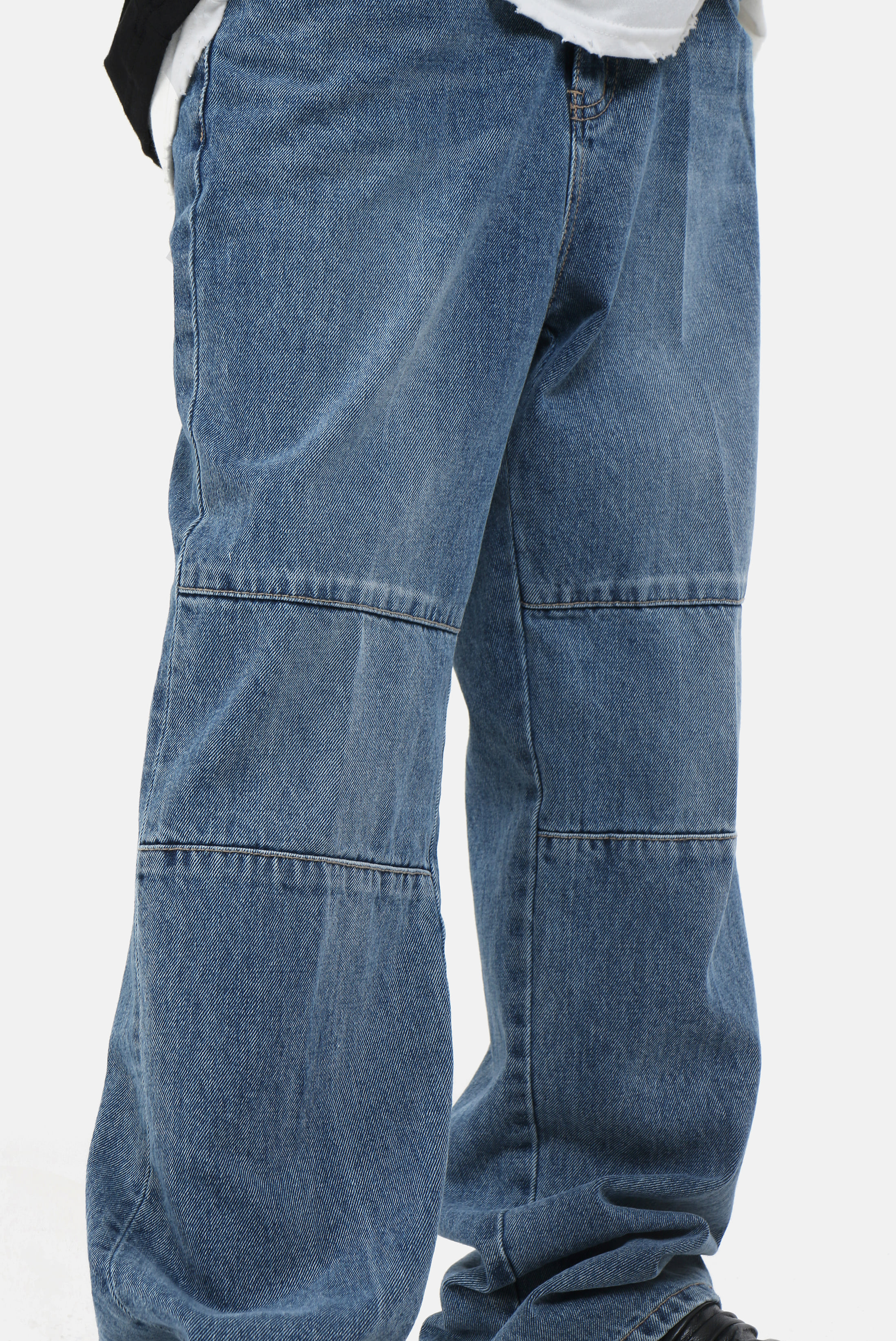 Knee_Incision Deep Blue_Jean