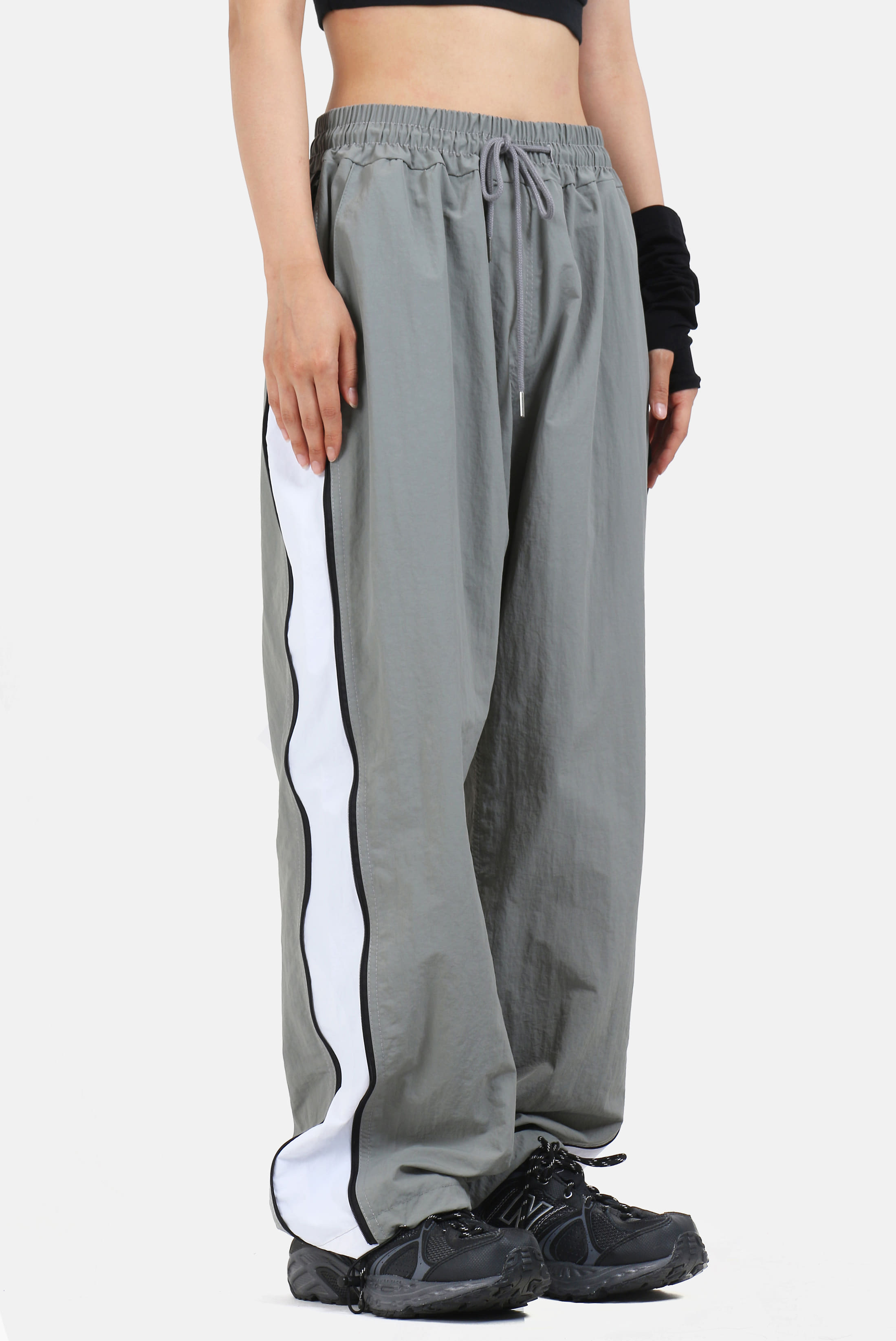 Side_White Zip String Pants