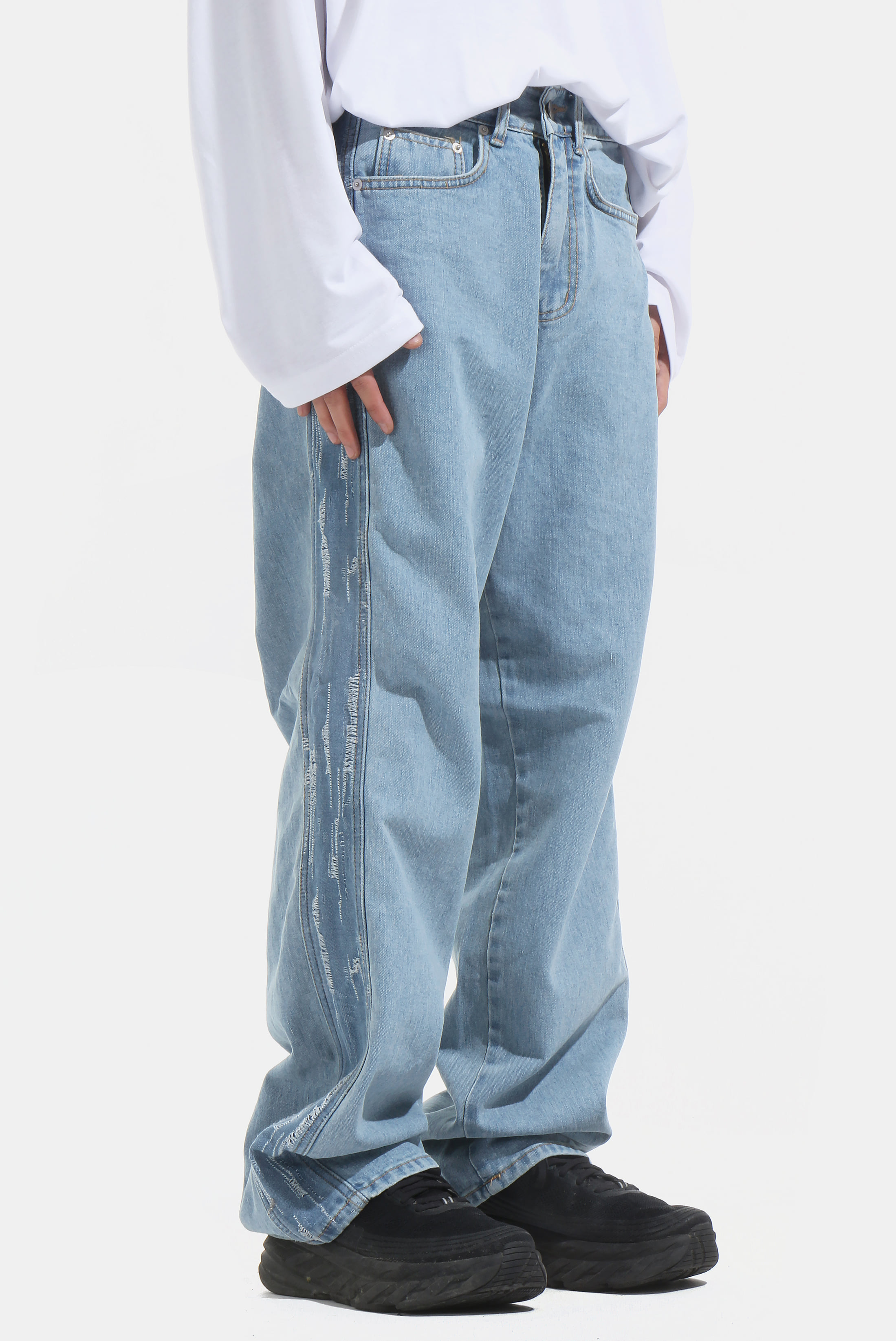 Side_Crack Denim_Pants