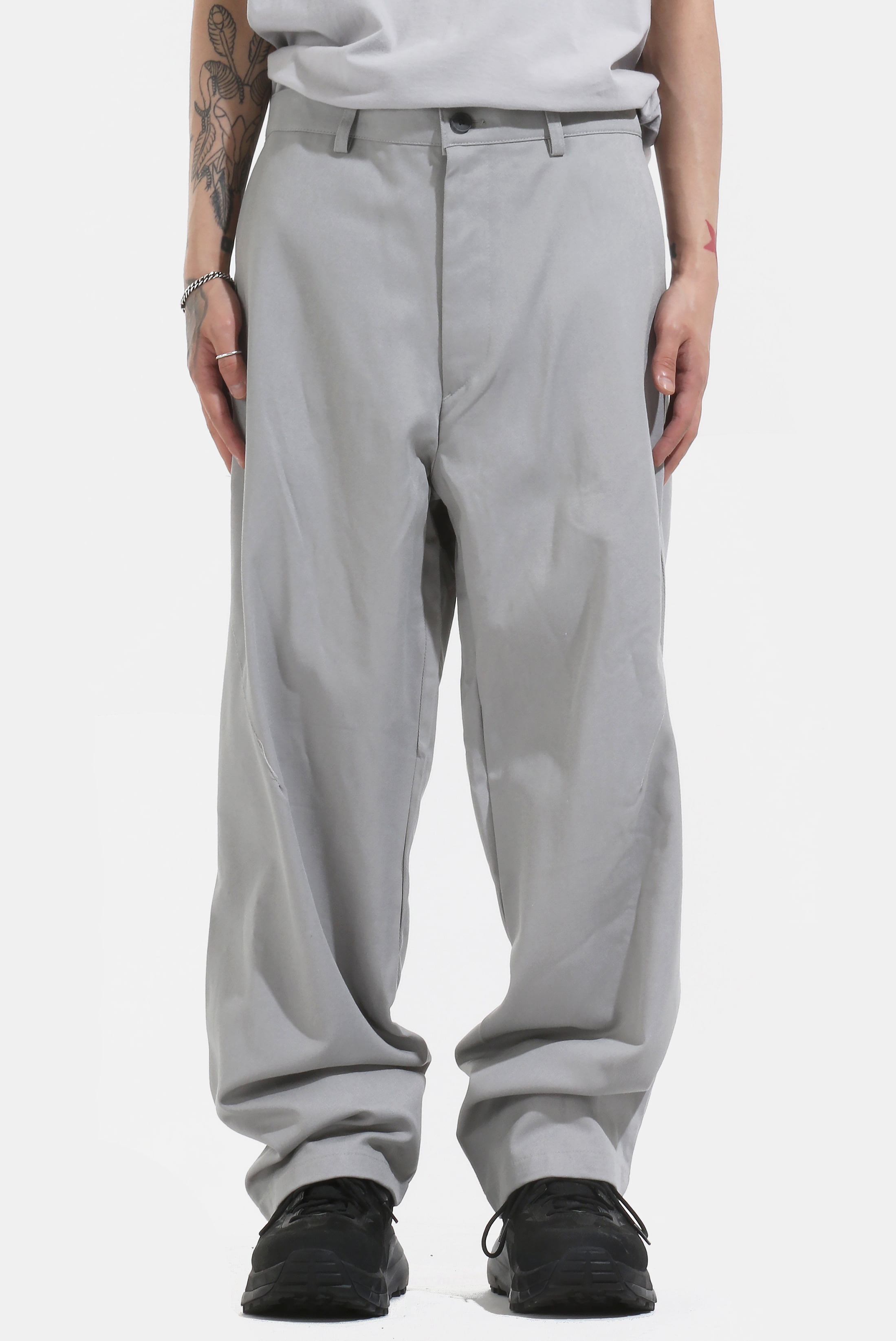 Side_Tuck Chino_Pants
