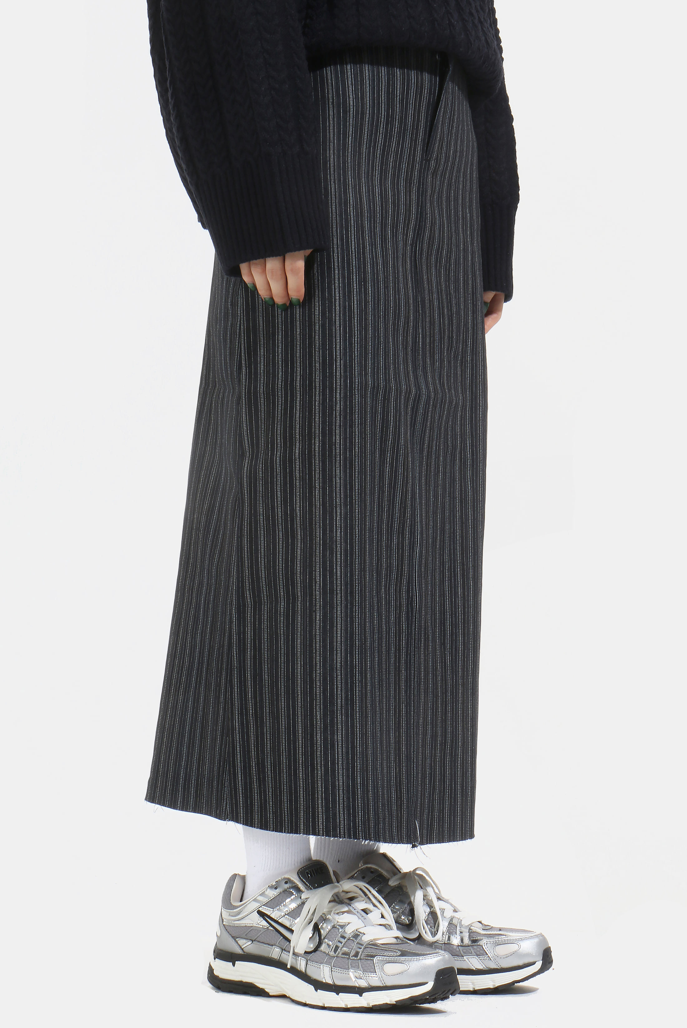 (W) Navy_Line Long Skirt