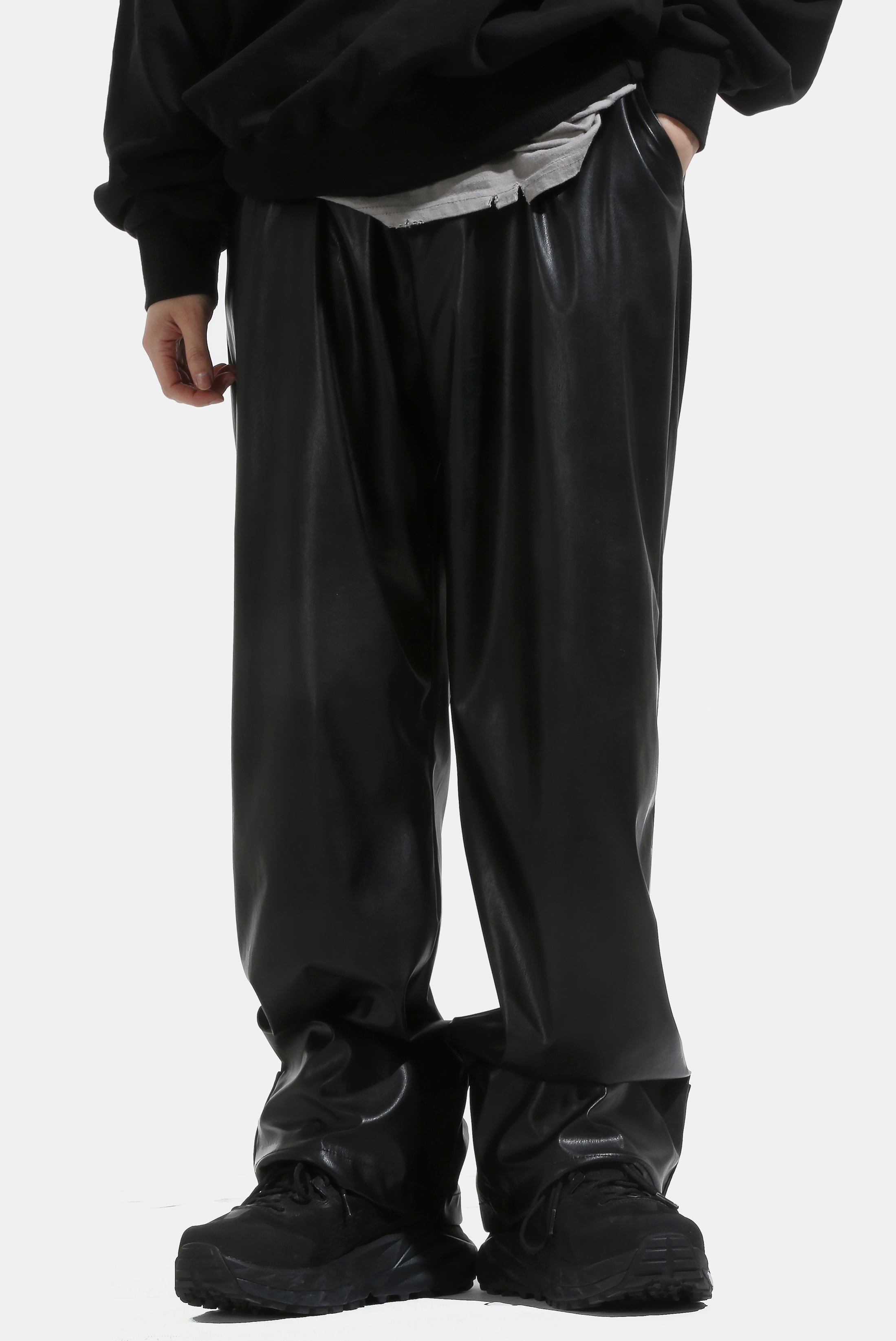 Leather Hem_Epaulet Wide_Pants